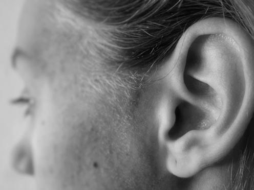 como saber si tienes un tapon en el oido